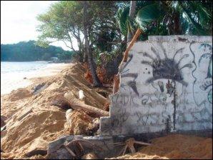 En 2006, l'érosion a repris jusqu'à détruire une partie des propriétes situées sur le front de mer. En une dizaine d'années, ce rivage a été successivement en expansion et en recul.